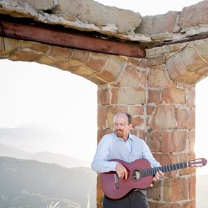 Shafter Acoustic Guitarist | GuitarWitt & Santa Barbara Guitar Collective