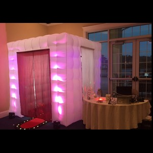 Crownsville, MD Photo Booth | Mullinix DJ and Photo Booth