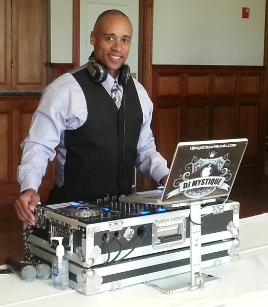 Mystique Entertainment - Photo Booth & Uplighting - Event DJ - Brockton, MA
