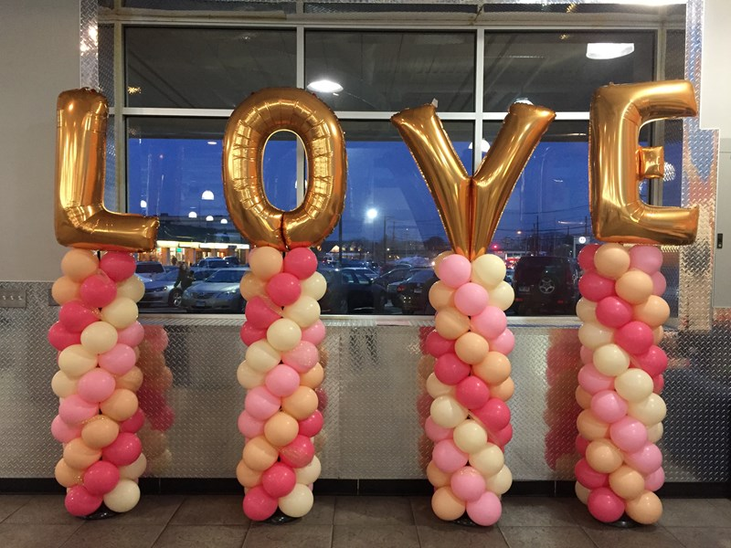 Beach Party Balloon Shop - Balloon Decorator - Event Planner - Milford, CT