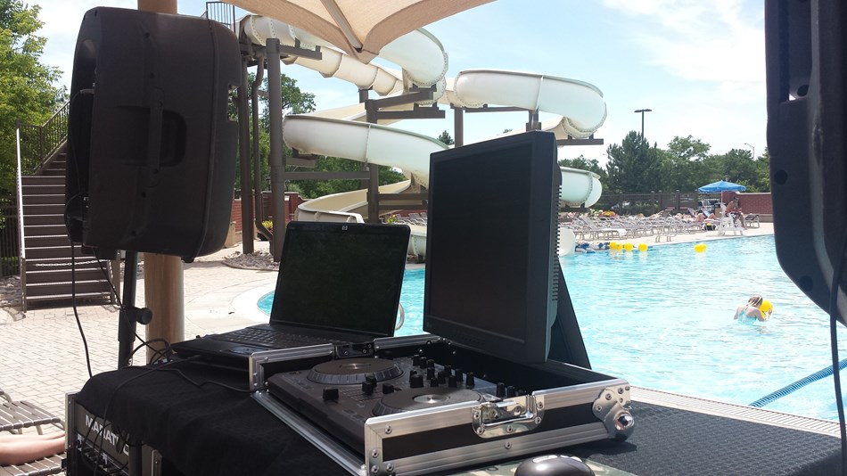Outdoor pool gig