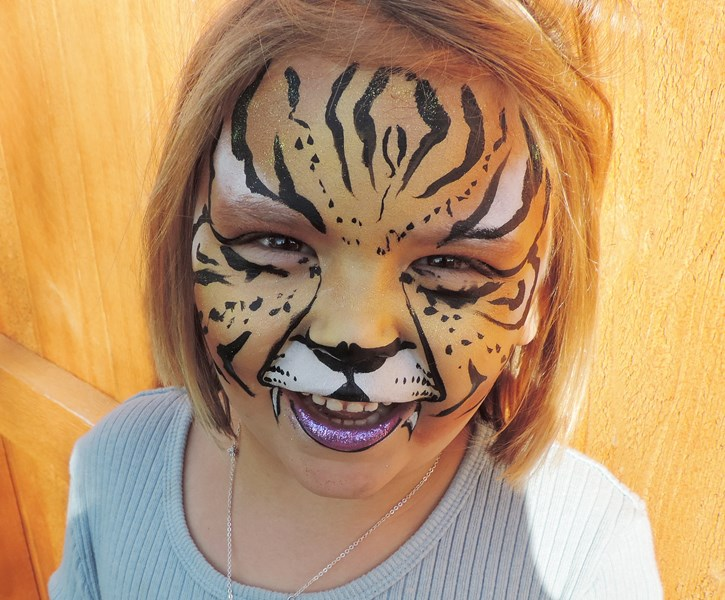 RAZZLE! - Face Painter - Loveland, CO