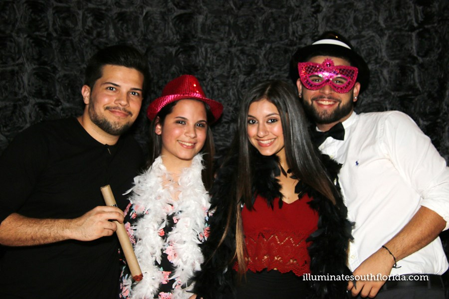 ILLUMINATE South Florida Photo Booth - Photo Booth - Fort Lauderdale, FL