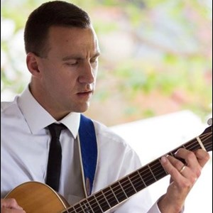Rhinebeck Acoustic Guitarist | Mike O'Mara