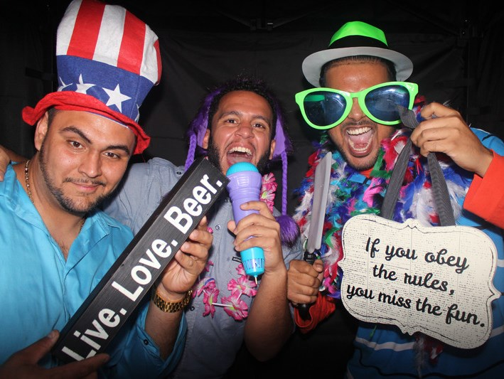 Love Birds Photo Booth - Photo Booth - Palm Coast, FL