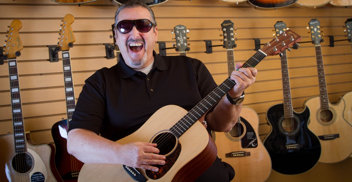 Mark B Heller Singing Guitarist, Solo / Duo Act - Singer Guitarist - Grayslake, IL