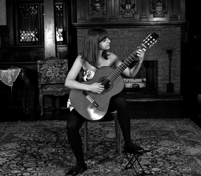 Nicole Auriemma - Classical Acoustic Guitarist - Chicago, IL