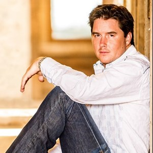 Covington Country Singer | Neil Dover
