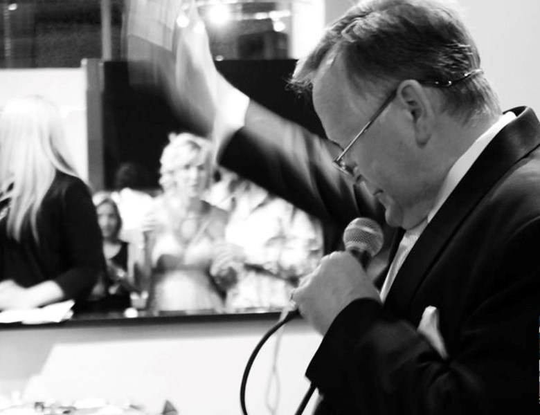 Charles Wickins, The English Auctioneer - Auctioneer - Birmingham, MI