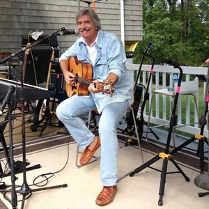 Barnstead Acoustic Guitarist | Bill Seguin