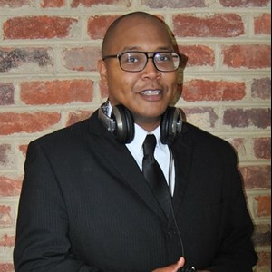 Norfolk Event DJ | Suit & Tie Music, LLC
