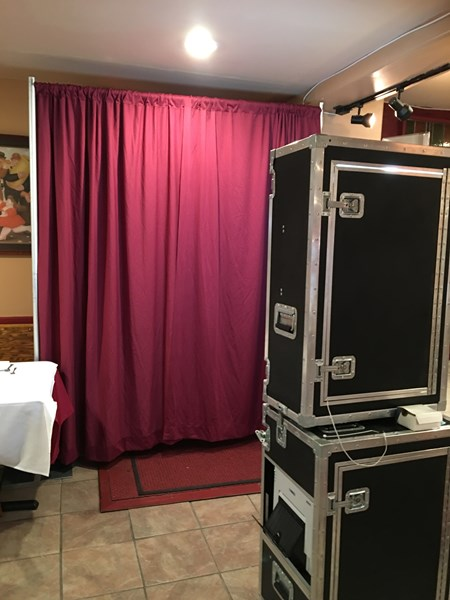 Small Room? Open Air Booth!!!!!