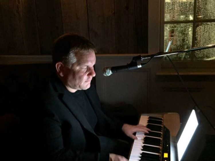 Scott Murray - Singing Pianist - Fairfield, CT