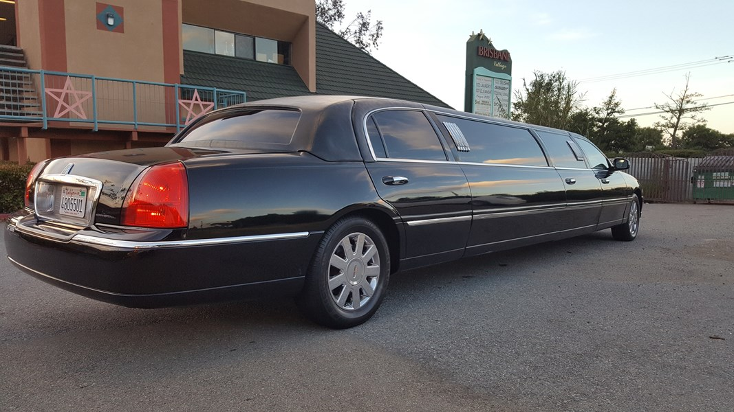 Lincoln 10 pass Stretch Limousine