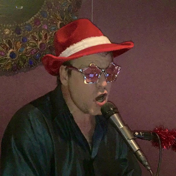 A little Christmas Elton...