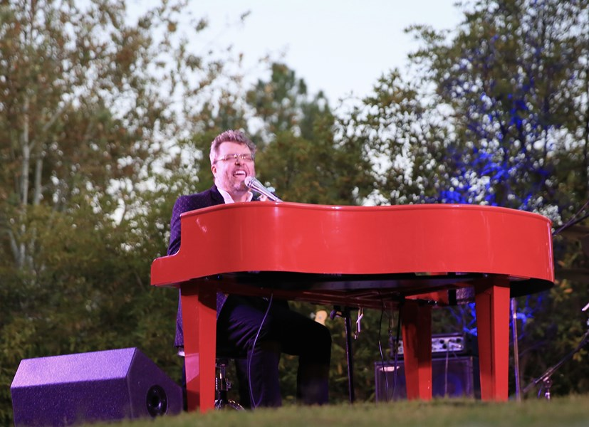 Tommy Reeves - Singing Pianist - West Hills, CA
