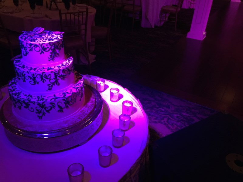 Custom lighting for your cake!