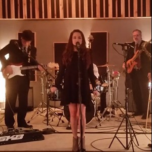 Fowlerton Cover Band | Don't Forget The Music