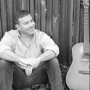 Toccoa Acoustic Guitarist | Swis