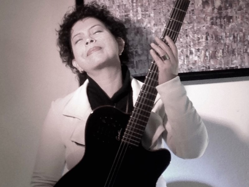 Lois Albez - Singer and Guitarist - Singer Guitarist - Houston, TX