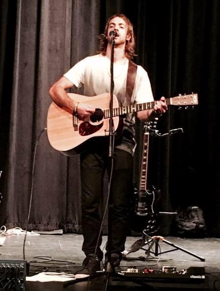Luke Stoner - Acoustic Guitarist - Northbrook, IL