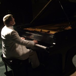 Port Angeles, WA Pianist | Pianist - Ken Young