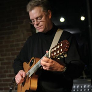 Vineland Acoustic Guitarist | Dave Baker