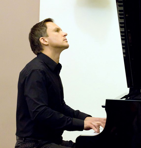 Sergei Novikov  - Pianist - Boston, MA