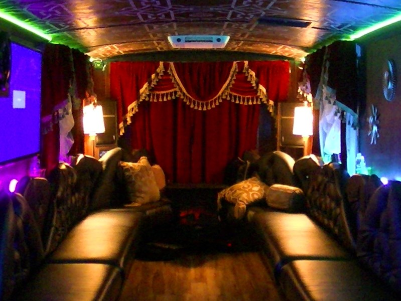 Tommy Gunns Party Bus - Party Bus - Bastrop, TX
