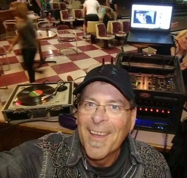 Hits and Grins Llc. - Mobile DJ - Springfield, MO