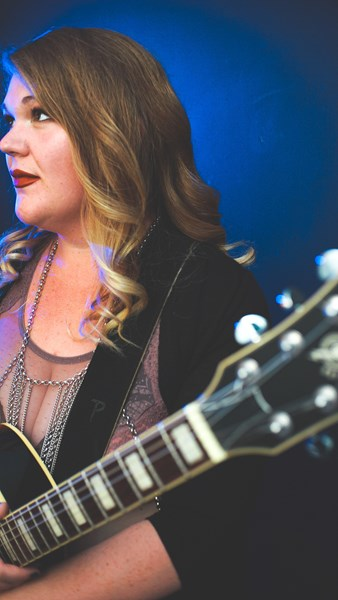 Lisa Mac - Singer Guitarist - Las Vegas, NV