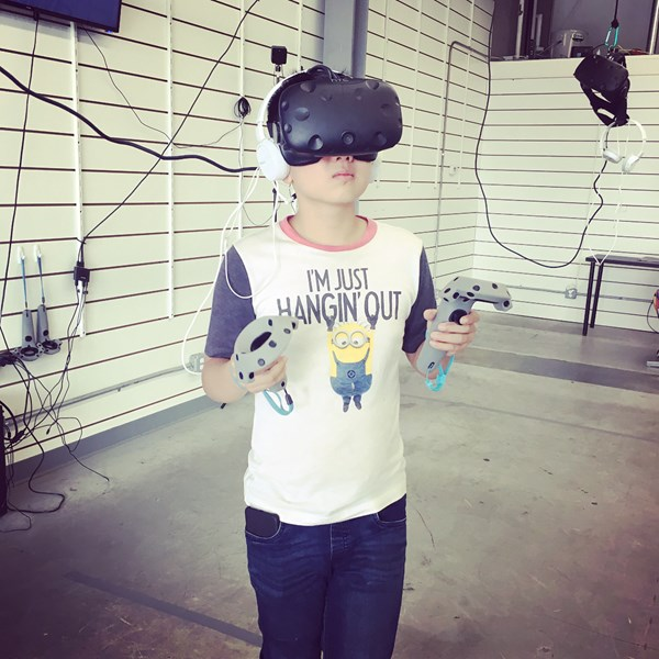 Playing HTC vive games