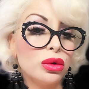 Marilyn Monroe Blonde Bombshell Impersonator