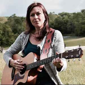 Dickerson, MD Singer Guitarist | Michelle Lockey