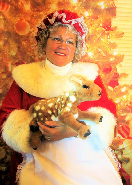 Mrs Claus Photo Booth - Photo Booth - Chowchilla, CA