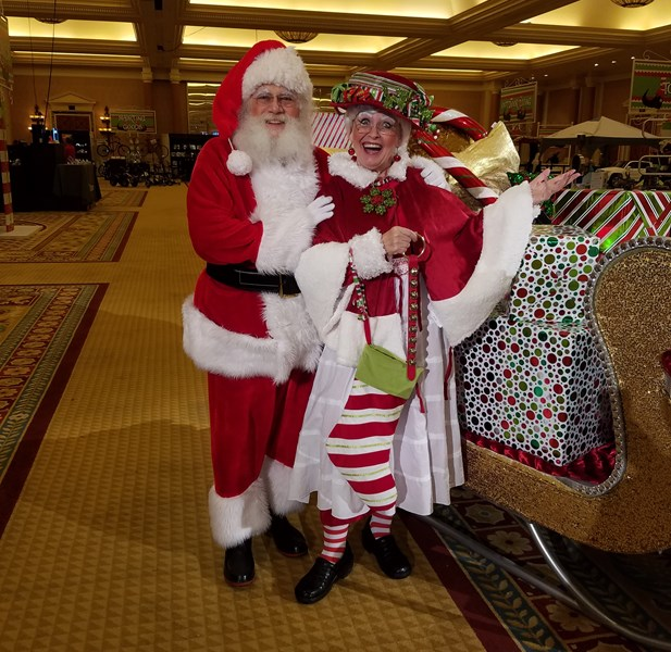 Santa Claus and Mrs Claus - Santa Claus - Las Vegas, NV