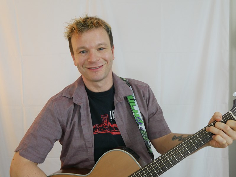 Christopher Jackson - Singer Guitarist - Seattle, WA