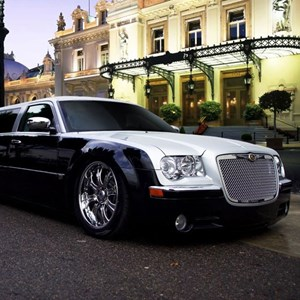 Red Deer Party Limo | Mark Antoni