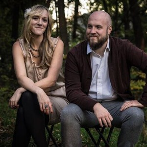 Brown One Man Band | Maygen Lacey Music (Acoustic Duo)