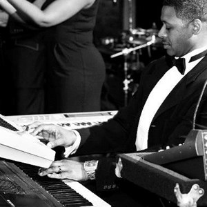 Fairfield, OH Jazz Pianist | Edwin Butler