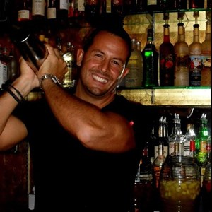 Sacramento, CA Bartender | Paul Michaels' Mixology and Event Staffing