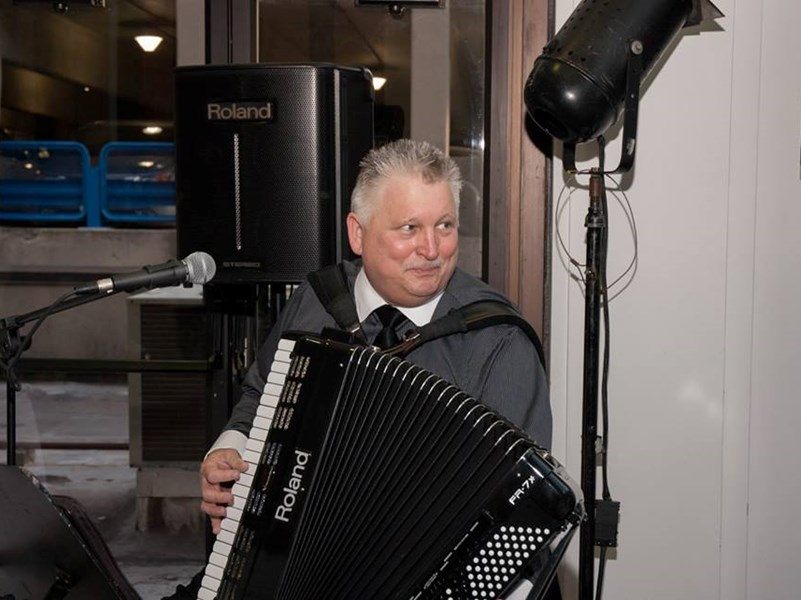 "David ""G"" Goclowski - Solo Accordion - One Man Band - Fairfield, CT"