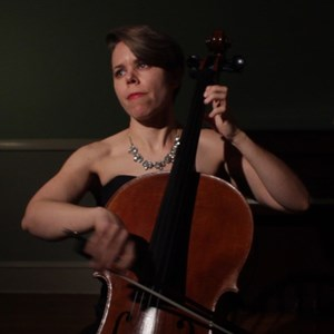 Stamford Cellist | Ravenna Michalsen, Cellist