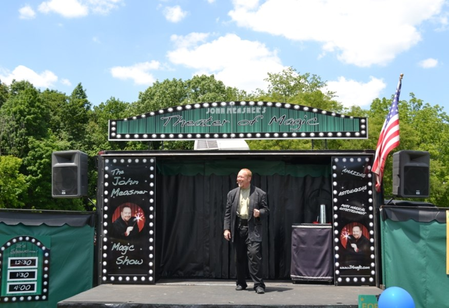 Measner's Traveling Magic Show - Magician - Chicago, IL