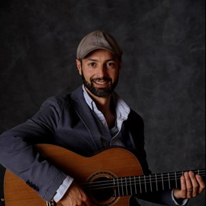 La Honda Acoustic Guitarist | Brazilian, flamenco, Latin, classical, jazz guitar