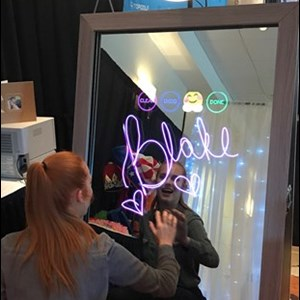 InstaGLAM Mirror Photo Booth