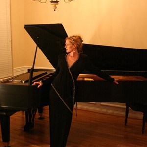 Lexington, KY Pianist | Beth Dean