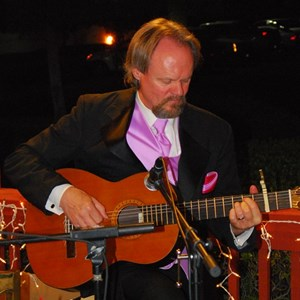 Berry Creek Acoustic Guitarist | Michael Geiger Mackert Guitarist