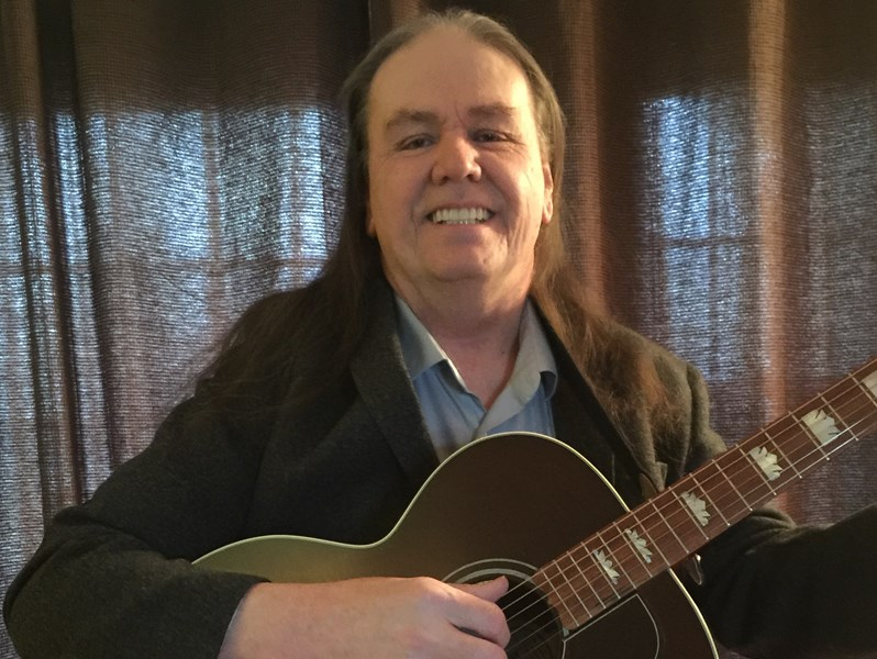 Ray Carter - Acoustic Guitarist - Peoria, IL