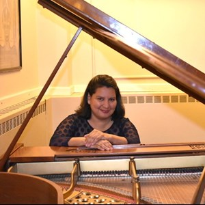 Westfield, MA Singing Pianist | Isabel Marcheselli